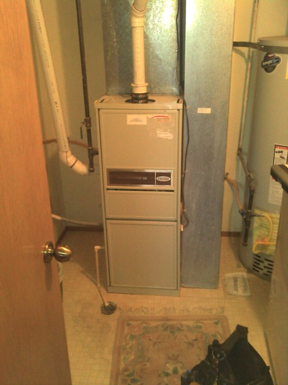 Carrier 90% gas furnace