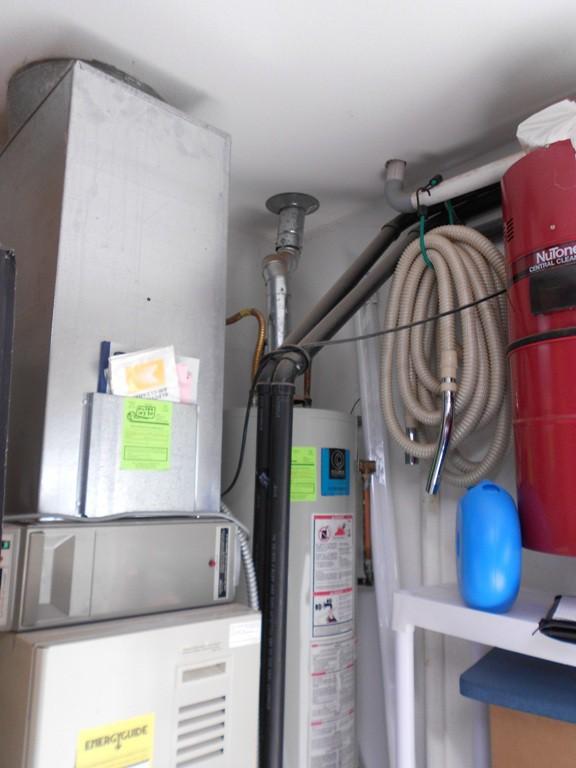 Carrier 90% gas furnace.
